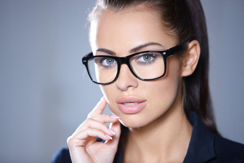 Retrato da mulher de negócio bonita imagens de stock