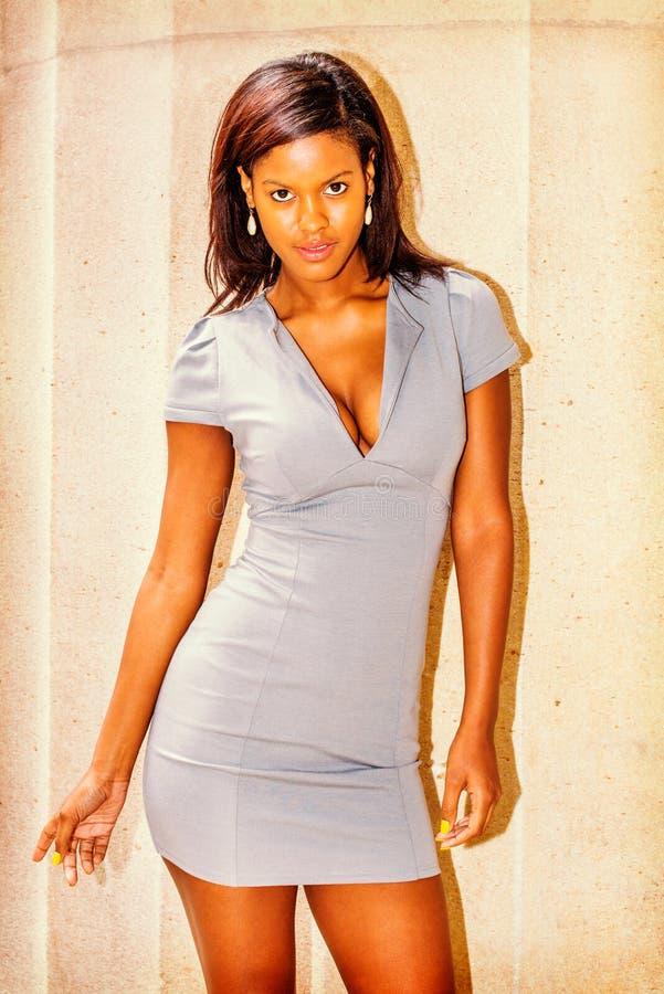 Retrato da mulher de negócios afro-americano nova em New York imagens de stock