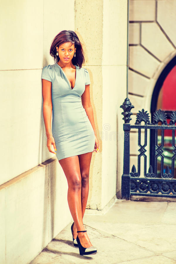 Retrato da mulher de negócios afro-americano nova em New York imagem de stock