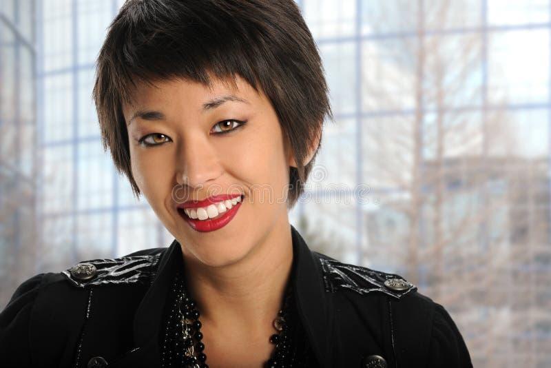 Retrato da mulher de negócios americana asiática imagens de stock royalty free