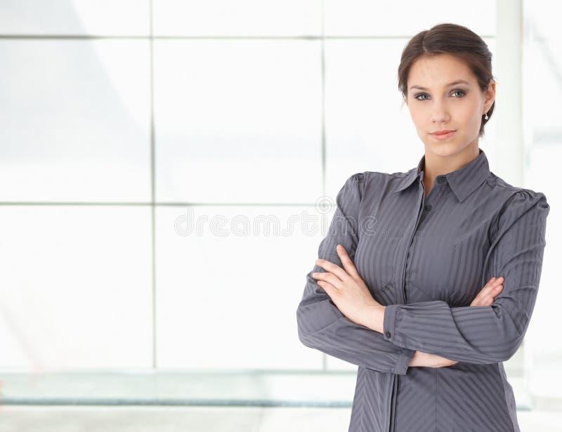 Retrato da mulher de negócios caucasiano nova foto de stock royalty free