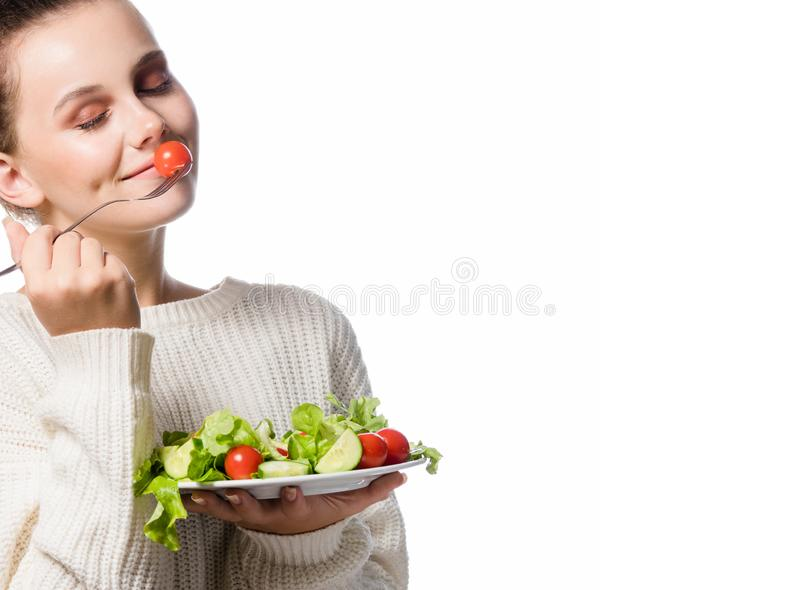 Retrato da mulher de sorriso europeia nova atrativa isolada sobre imagem de stock royalty free