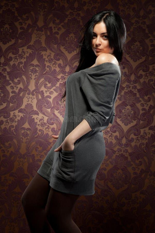 Retrato da jovem mulher atrativa imagem de stock royalty free