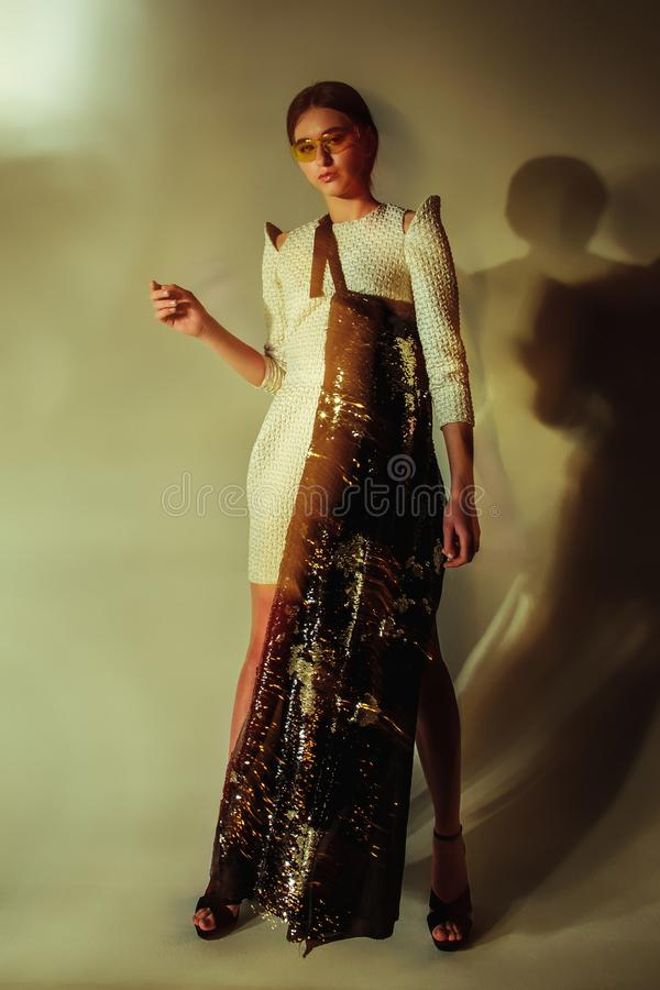 Retrato da mulher da forma Modelo bonito fotografia de stock
