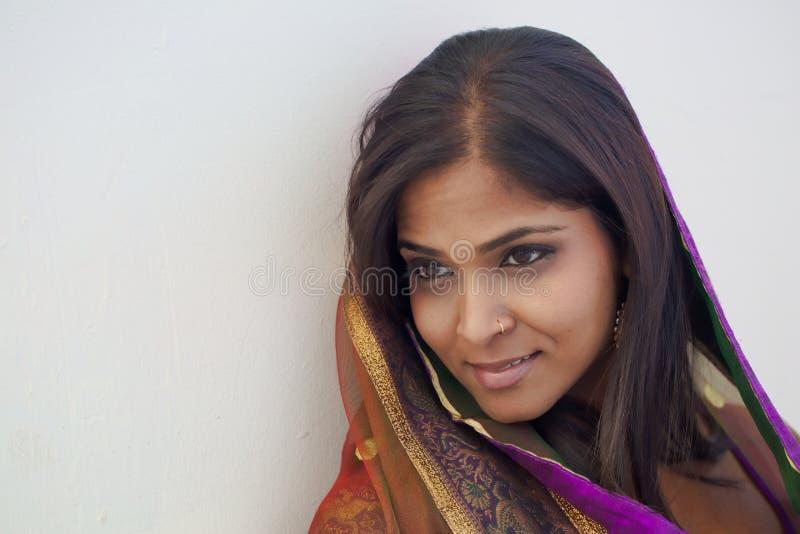Retrato da mulher indiana foto de stock royalty free