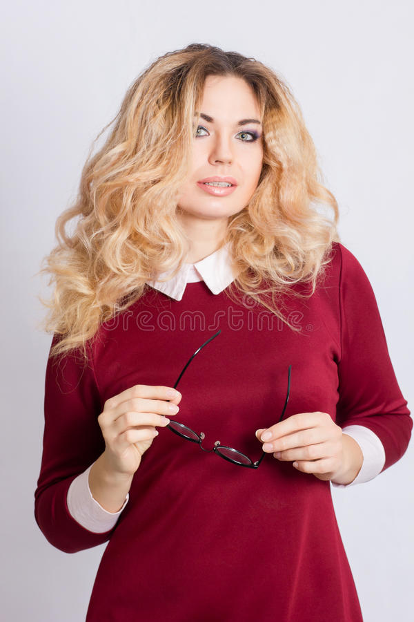 Retrato da mulher loura caucasiano bonita imagem de stock royalty free