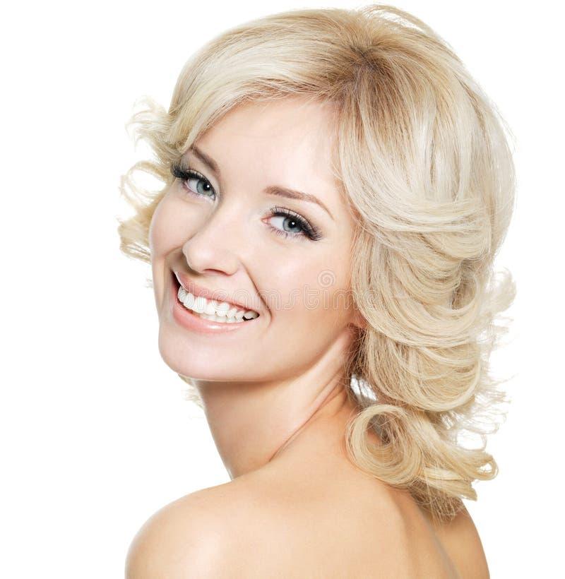 Retrato da mulher loura feliz imagem de stock royalty free