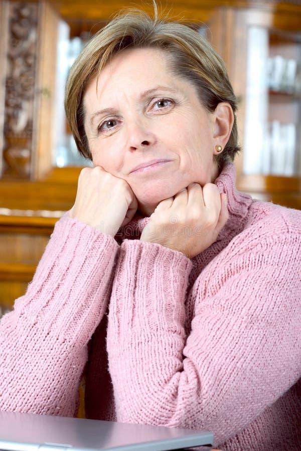 Retrato da mulher madura imagem de stock
