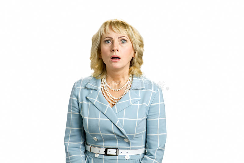 Retrato da mulher madura chocada imagem de stock
