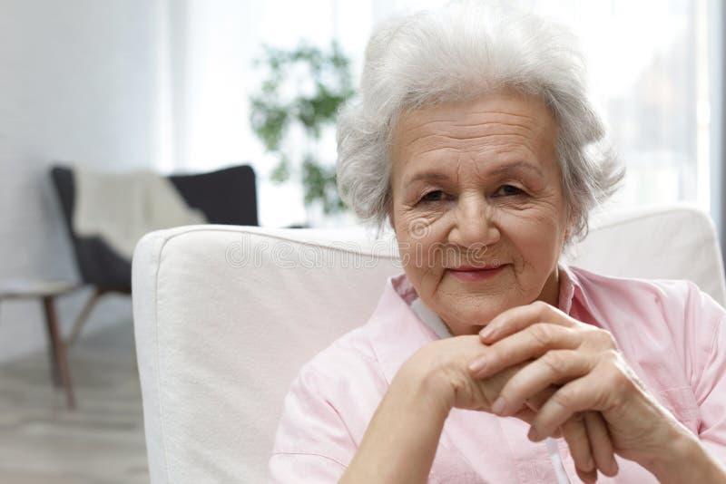 Retrato da mulher madura imagens de stock royalty free