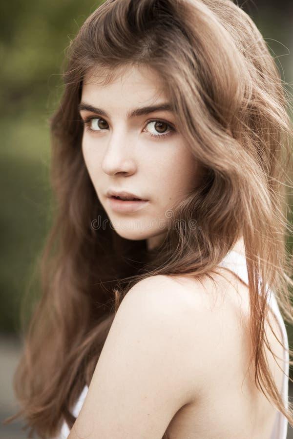 Retrato da mulher natural bonita foto de stock royalty free