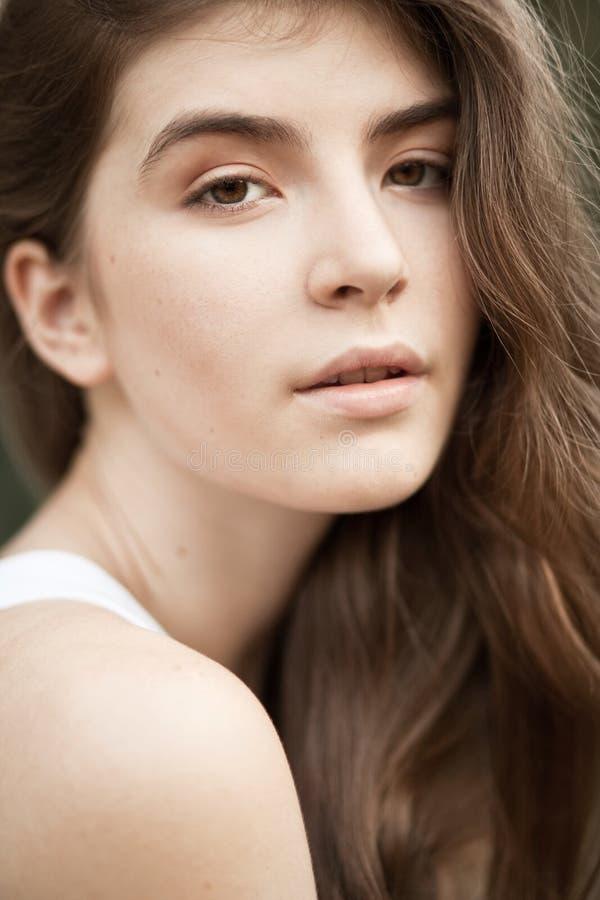 Retrato da mulher natural bonita imagem de stock royalty free