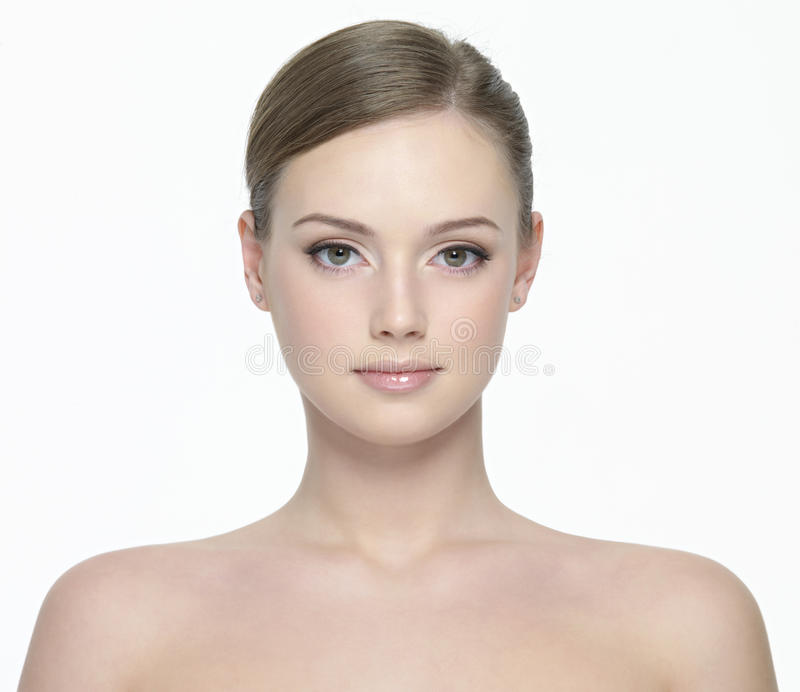 Retrato da mulher no branco foto de stock
