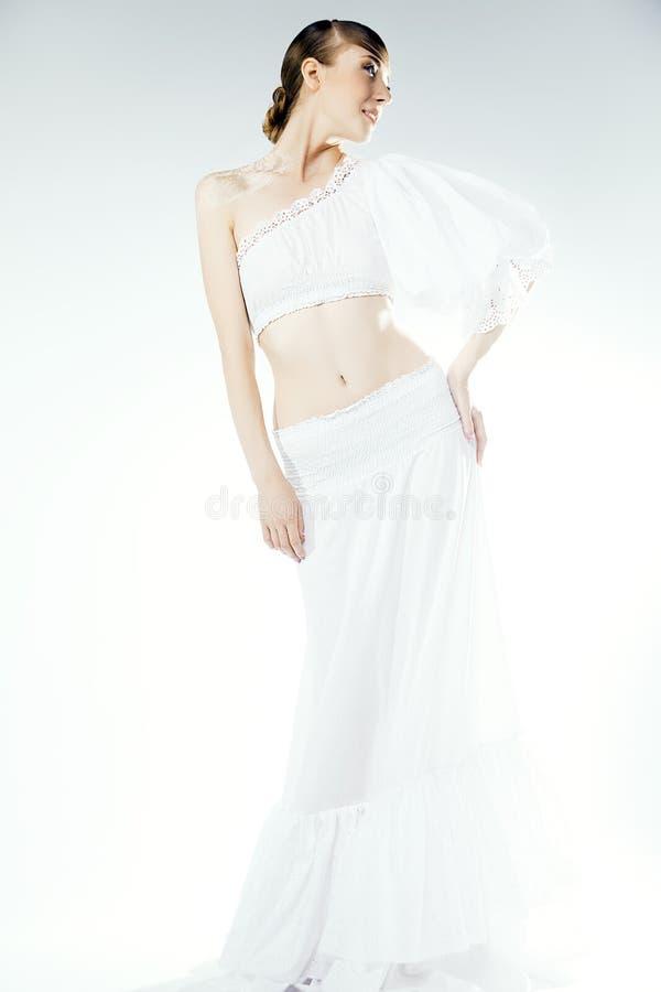 Retrato da mulher no vestido de casamento. Composição profissional foto de stock royalty free