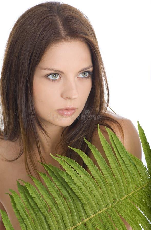 Retrato da mulher nova bonita atrativa imagem de stock