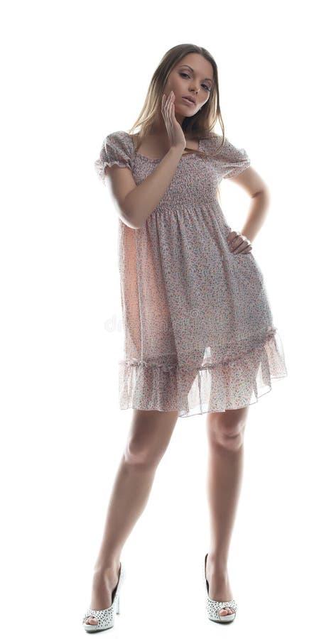 Retrato da mulher nova da beleza no pano transparente fotos de stock