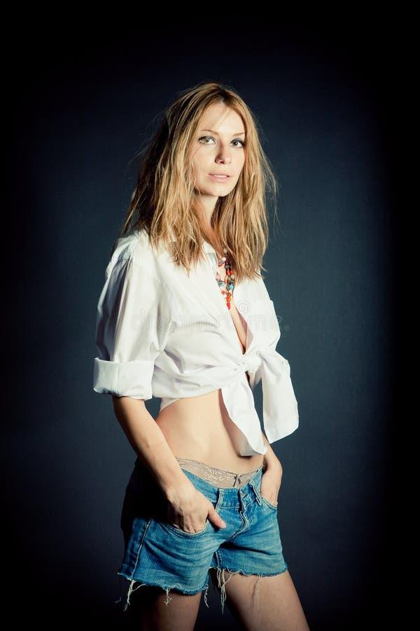 Retrato da mulher nova 'sexy' imagem de stock royalty free