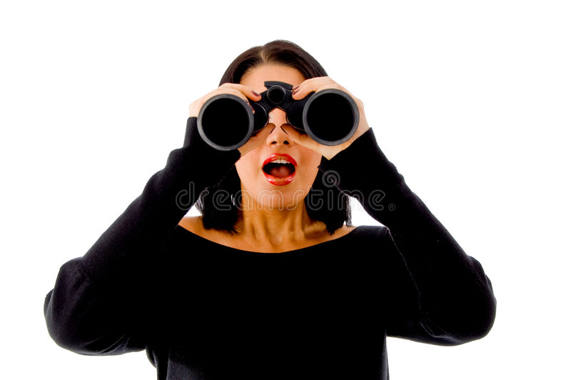 Retrato da mulher que olha com binocular imagem de stock royalty free