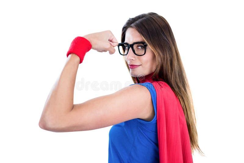 Retrato da mulher segura no traje do super-herói fotos de stock royalty free