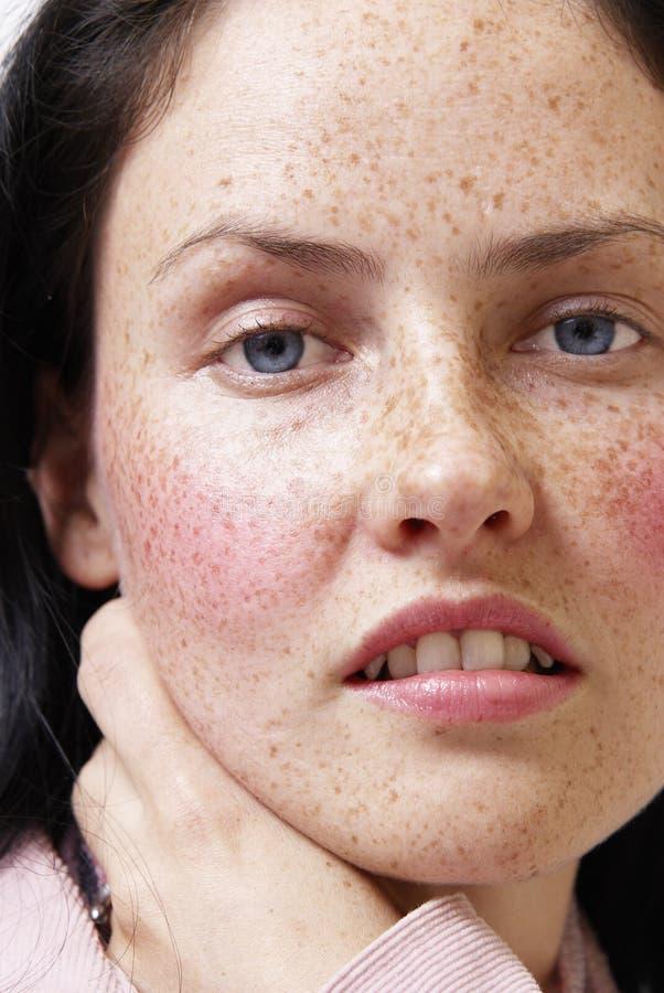 Retrato da mulher triguenha bonita imagem de stock royalty free