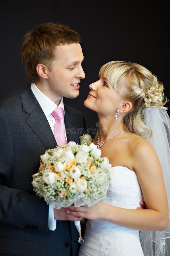 Retrato da noiva e do noivo imagens de stock royalty free
