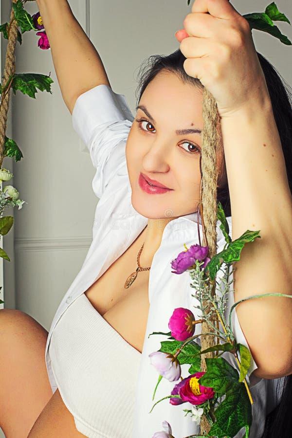 Download Retrato da rapariga bonita imagem de stock. Imagem de novo - 29827907