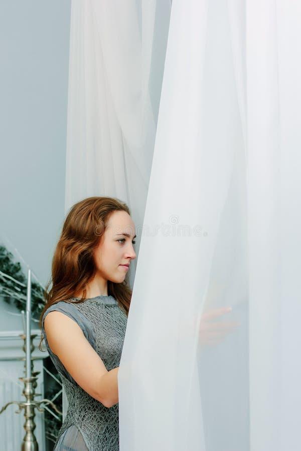 Retrato da senhora bonita nova imagem de stock royalty free