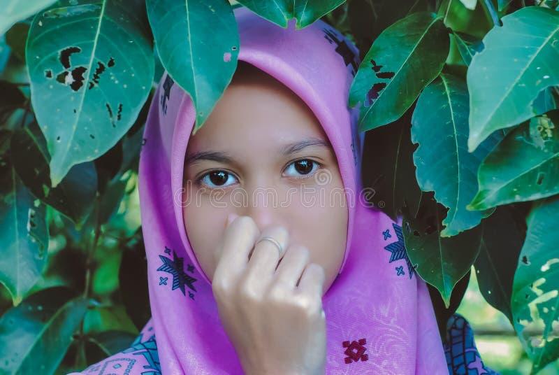 Retrato de adolescente muçulmano fotografia de stock