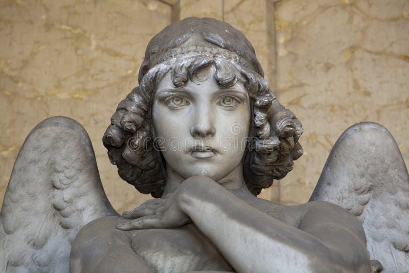 Retrato de anjo loving imagem de stock royalty free