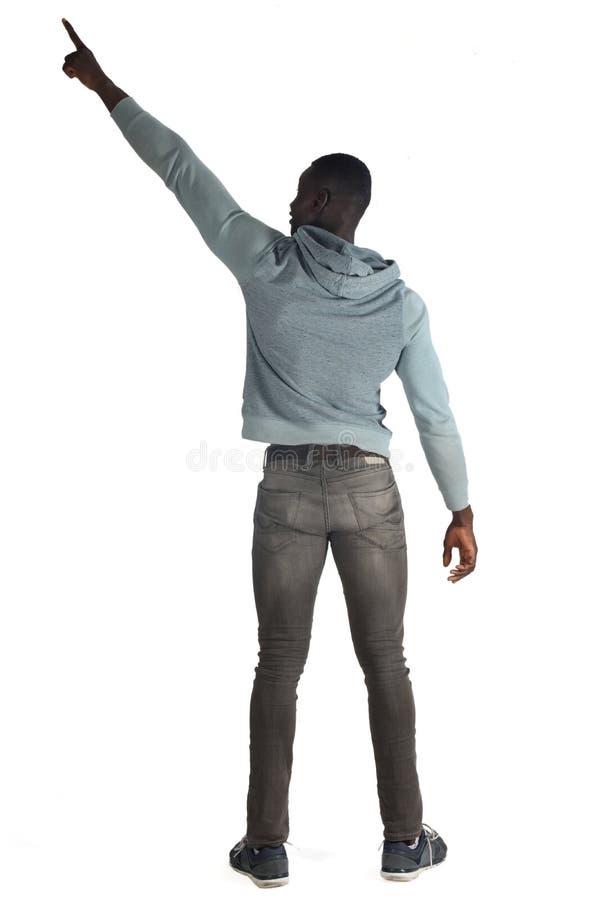 Retrato de apontar traseiro do homem africano fotos de stock