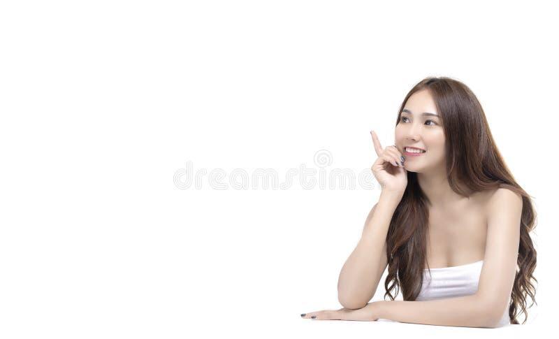 Retrato de cuidados médicos da mulher e do conceito bonitos do skincare foto de stock