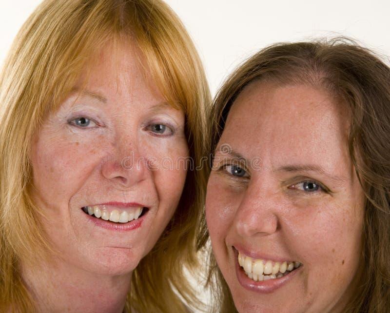 Retrato de duas mulheres imagens de stock