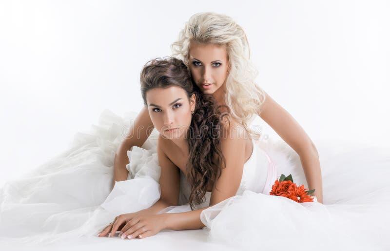 Retrato de encantar a las novias de moda, primer imagen de archivo libre de regalías