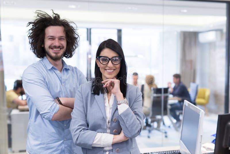 Retrato de executivos bem sucedidos fotografia de stock royalty free