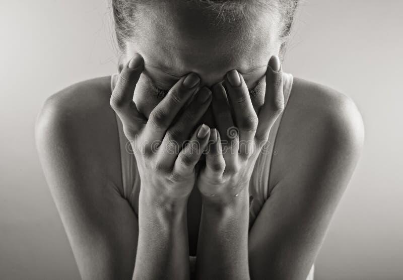 Retrato de grito da mulher imagens de stock