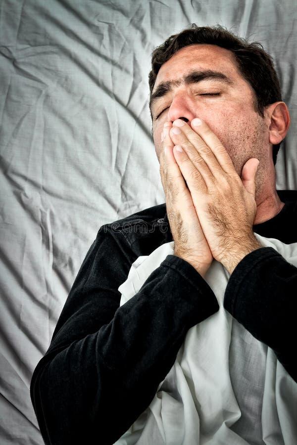 Retrato de Grunge de um homem latino-americano muito doente foto de stock royalty free