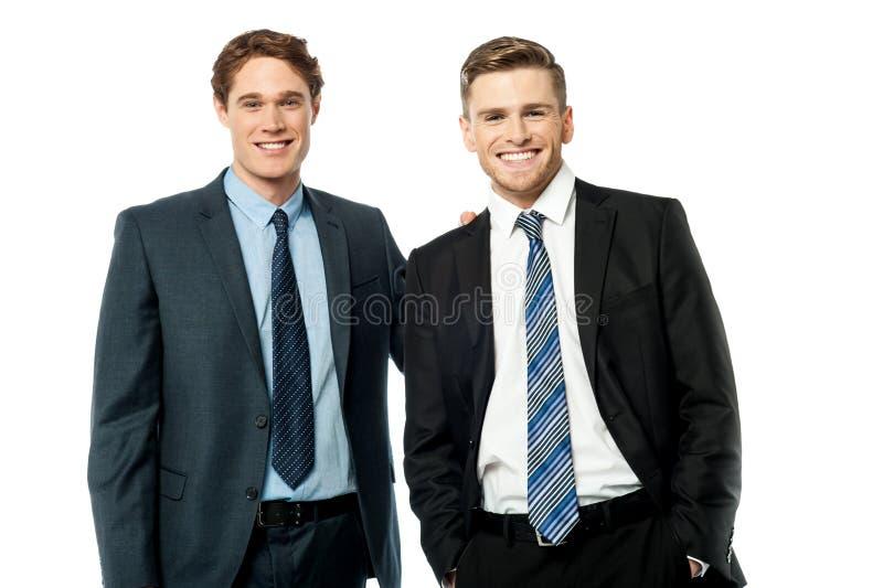 Retrato de hombres de negocios acertados foto de archivo
