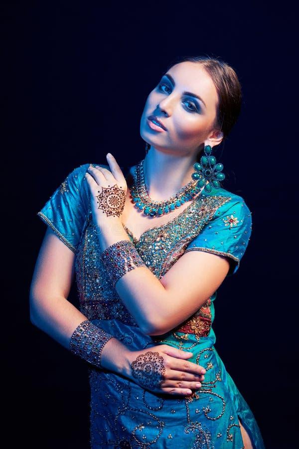 Retrato de la bella arte del indio hermoso de la moda fotos de archivo libres de regalías