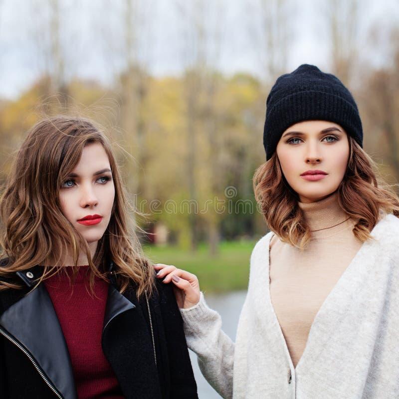 Retrato de la belleza de la moda de mujeres perfectas foto de archivo libre de regalías