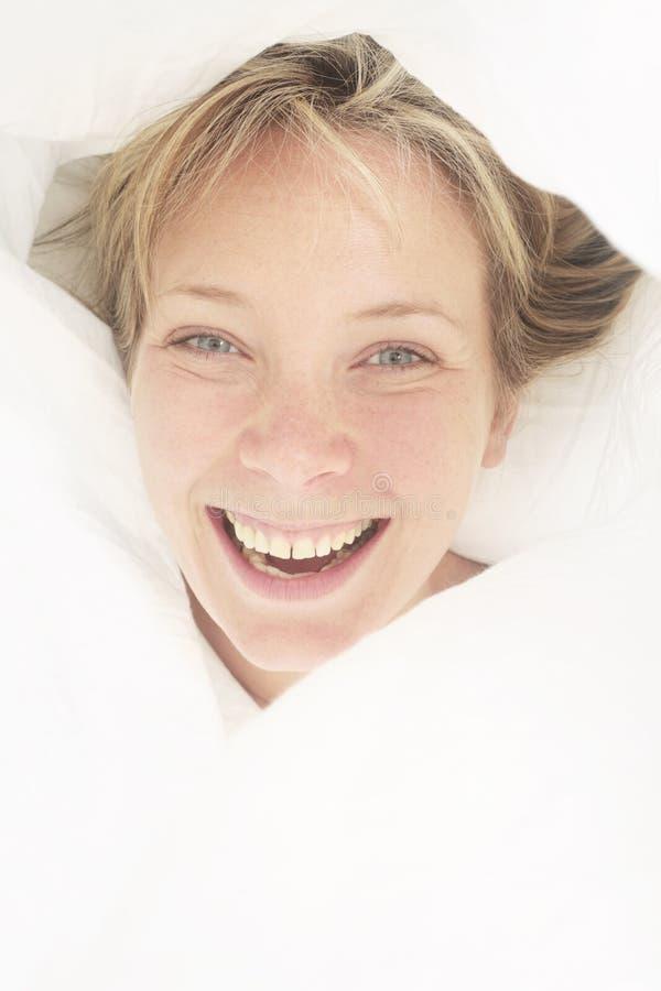Retrato de la cama imágenes de archivo libres de regalías
