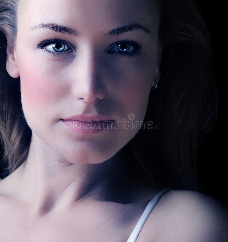 Retrato de la cara de la mujer de Glamor imagen de archivo