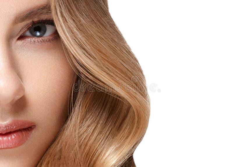 Retrato de la cara de la mujer de la belleza Muchacha hermosa del modelo del balneario con la piel limpia fresca perfecta fotos de archivo libres de regalías