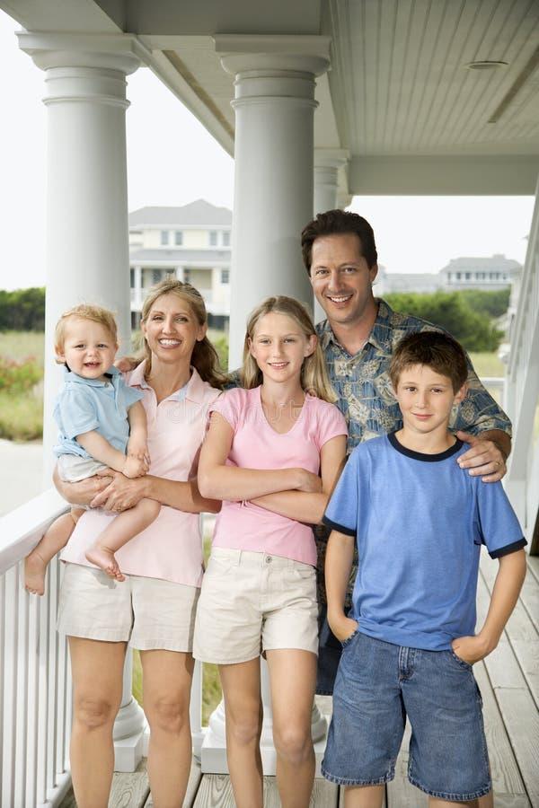 Retrato de la familia. imagen de archivo
