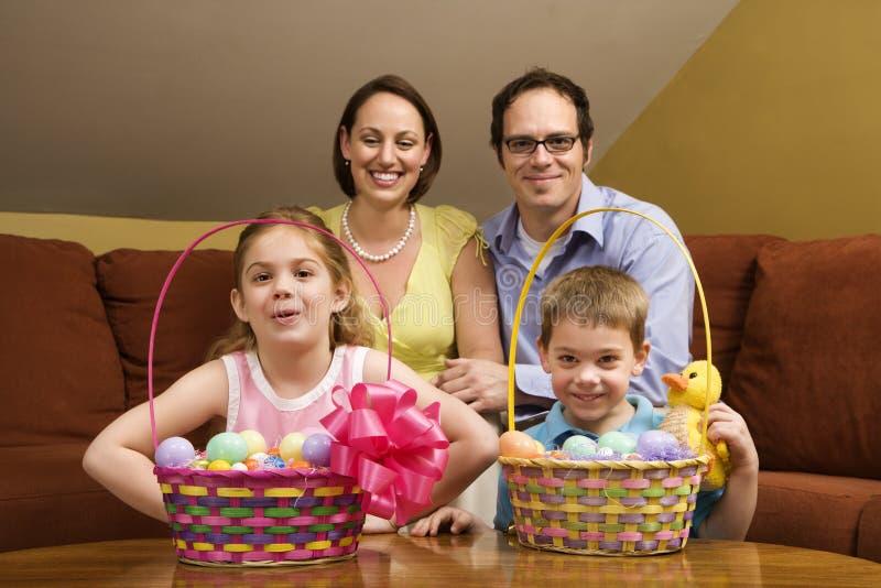 Retrato de la familia de Pascua. fotografía de archivo libre de regalías