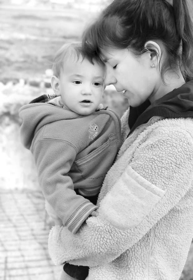 Retrato de la madre y del hijo fotografía de archivo libre de regalías