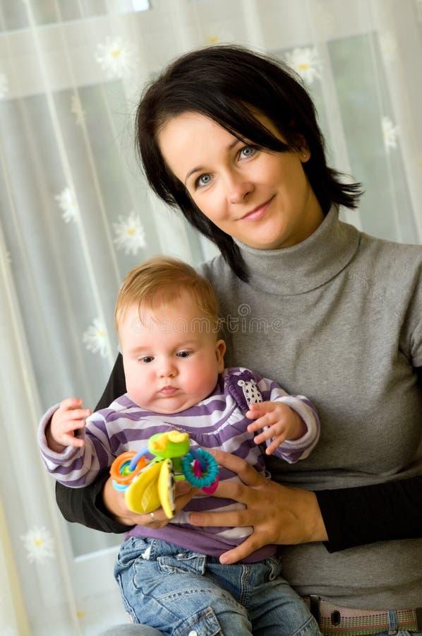 Retrato de la madre y del niño fotos de archivo libres de regalías