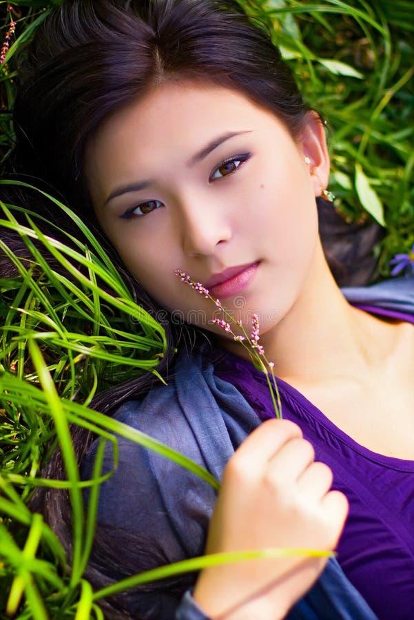 Retrato de la muchacha asiática imagen de archivo libre de regalías