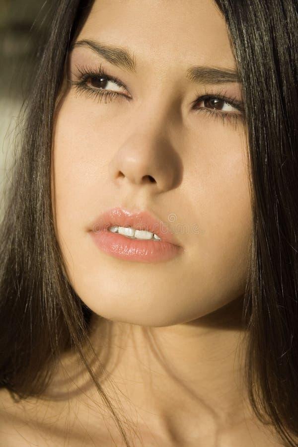 Retrato de la muchacha asiática imagen de archivo
