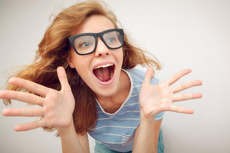 Retrato de la muchacha divertida del pelirrojo imagen de archivo libre de regalías