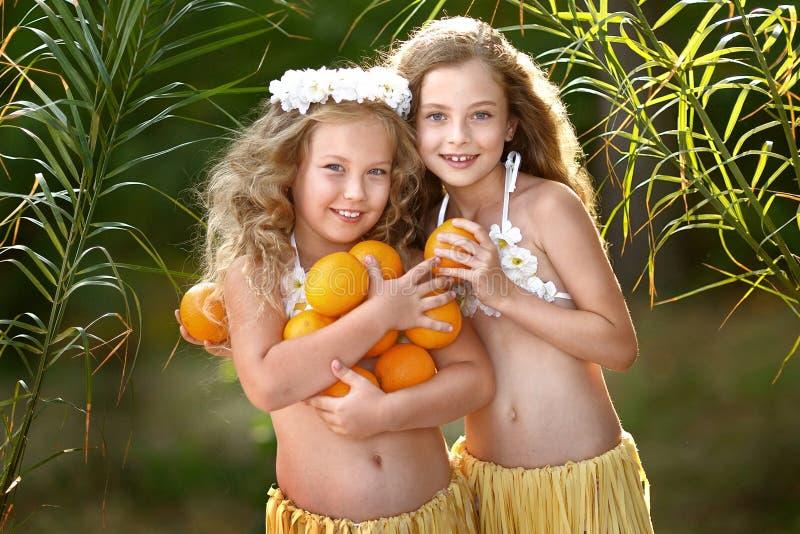 Download Retrato de la muchacha dos imagen de archivo. Imagen de hermoso - 44851497